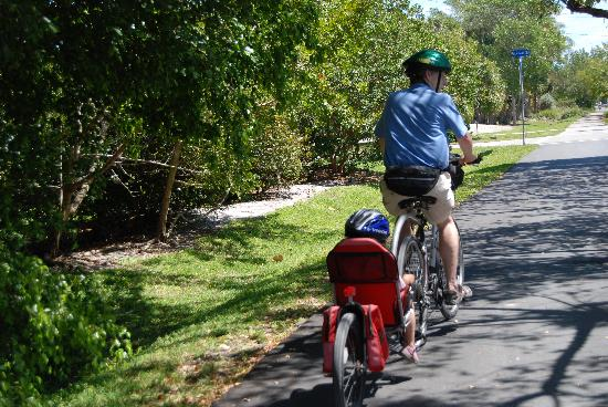 sanibel-island-hotels-island-inn-bicycling (4)