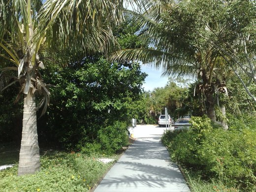 island-inn-sanibel-local-beaches-gulfside-city-park-2
