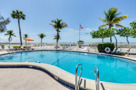 sanibel-island-hotels-island-inn-heated-pool