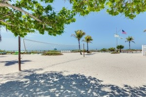 sanibel-island-hotels-island-inn-property-grounds-1-min-min