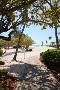 sanibel-island-hotels-island-inn-sanibel-beach-and-sunset- (106)-min-min